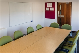 Hitchin-library-meeting-room