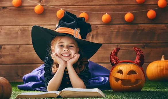 Halloween girl with a hat