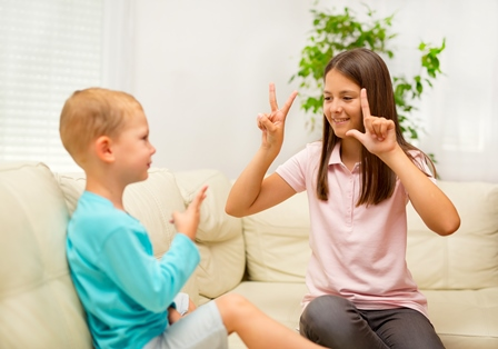 Children using signlanguage